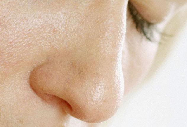 Нос женщины
