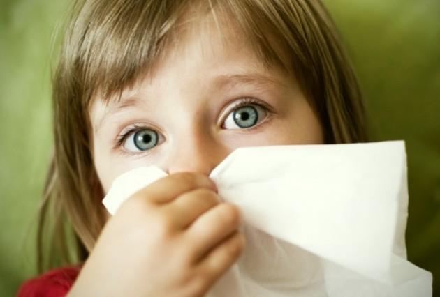 Как и чем лечить насморк у ребёнка