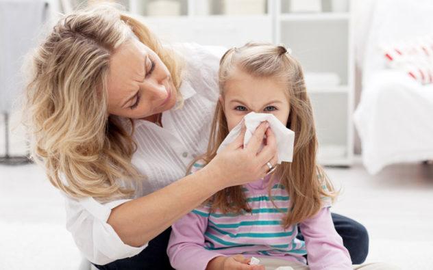 Если у ребенка текут сопли - это повод обратиться к врачу
