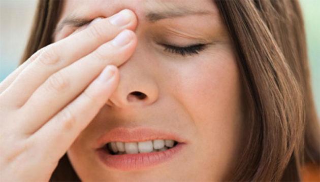 Фронтит - разновидность болезней носа, сопровождающаяся сильными головными болями