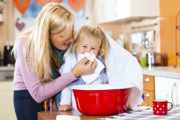Паровые ингаляции с содой могут применяться у детей только под присмотром взрослых