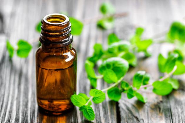 При безоперационном лечении аденоидов у детей проводятся ингаляции с эфирными маслами