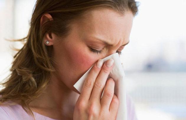 Капли Пиносол показаны при рините не аллергического происхождения