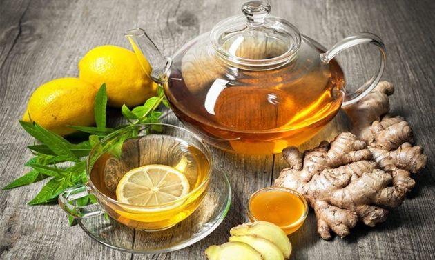 Чай с имбирем, медом и лимоном поможет в лечении больного горла