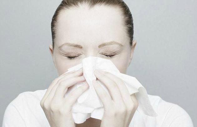 Гормональные капли применяются при длительной заложенности носа