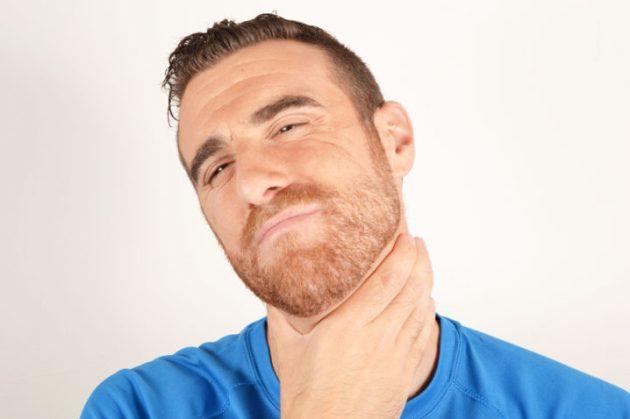 давит в горле