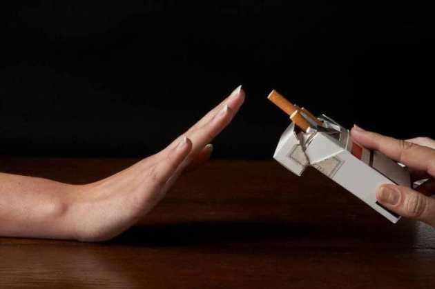 курить при ангине нельзя