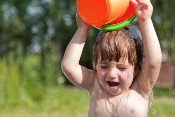 для профилактики фарингита у детей нужно закаливать организм