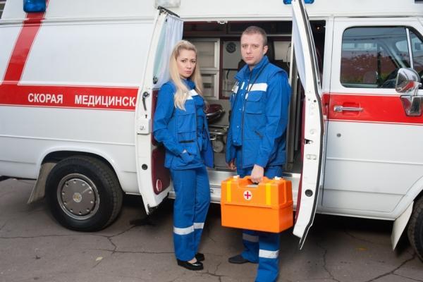 если немеет нос из-за глубокого обморожения, необходимо вызвать бригаду скорой помощи