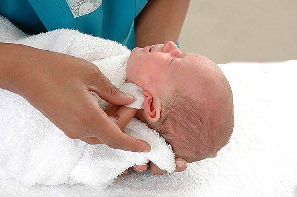 отит у новорожденных