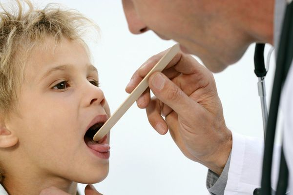 диагностика волдырей в горле