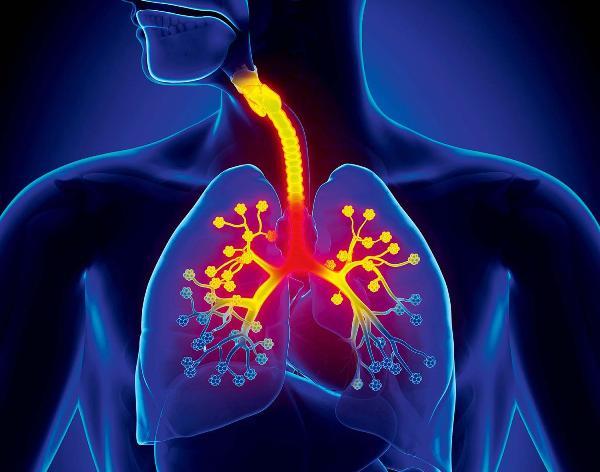 причиной болей в груди при кашле может быть трахеит